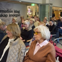 Publik på Fyriskällan på Bokreleasen