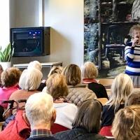 Ann-Marie Petersson presenterar boken